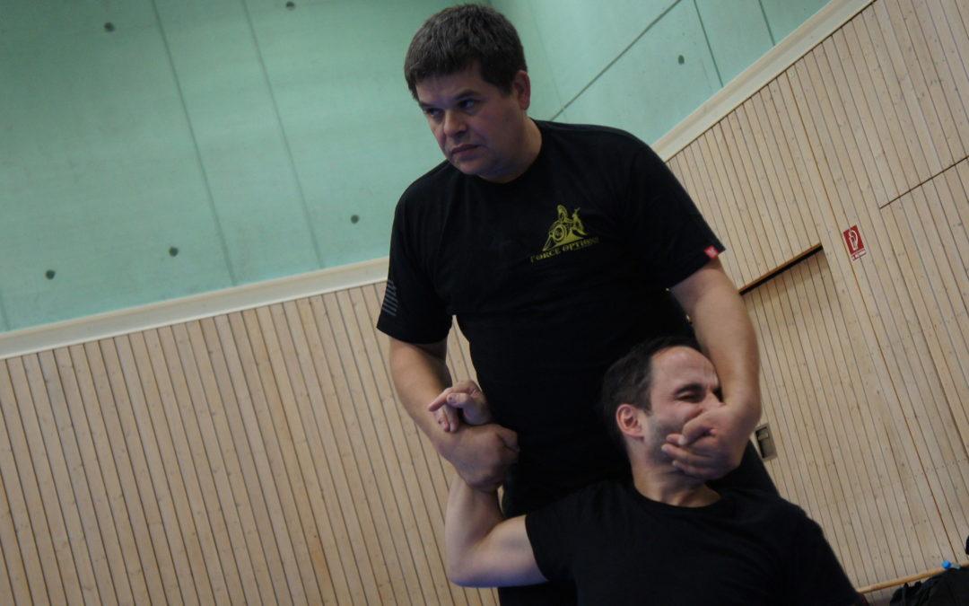 Notwehrtraining – Notfalltechniken – Selbstschutz